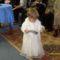 iker kislány keresztelőruhában