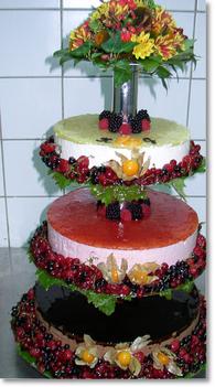 esküvői gyümölcstorta