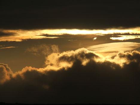 Felhőkkel szárnyaló