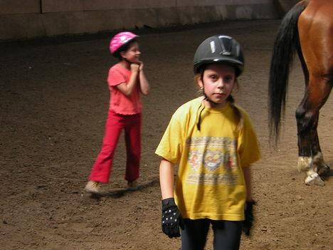 Kamilla a lovas
