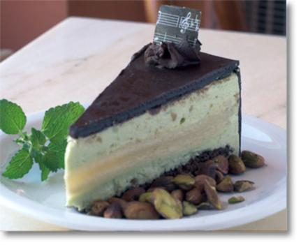 mozart torta pisztáciahabbal