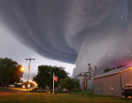tornado_orchard_080610