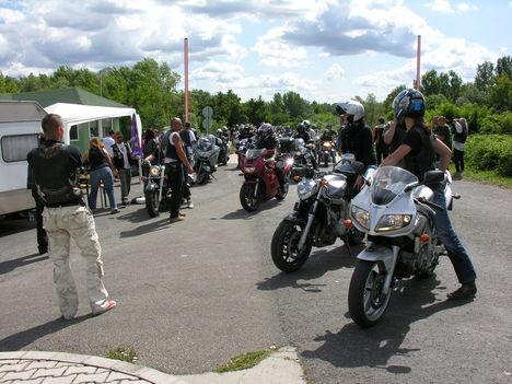 Dunakiliti motoros találkozó 2