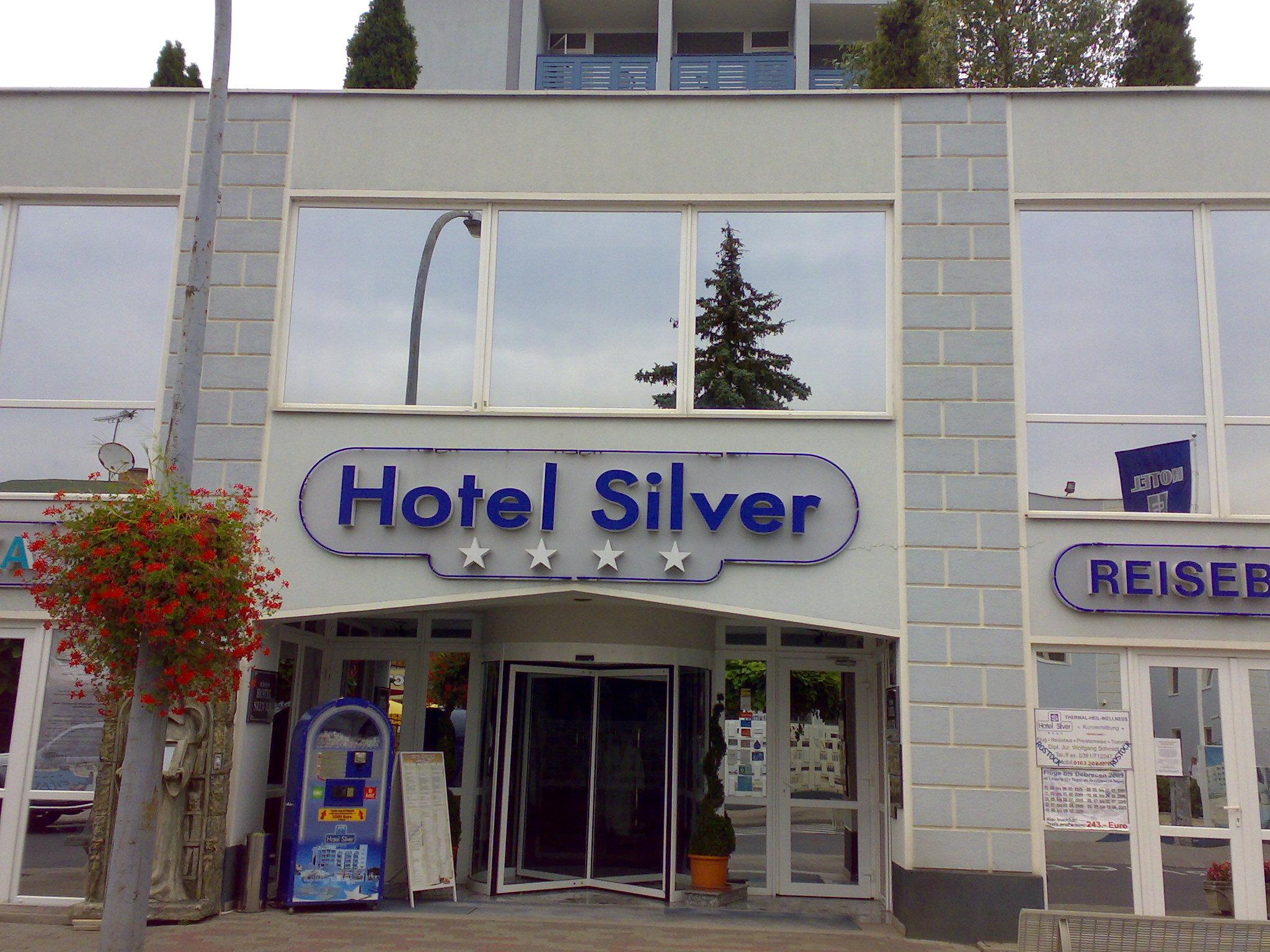 Hotel Silver Seven Hotel Silver Leaf Vapi Get Upto 70 Off On Hotels Hotel Silver