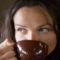 nő és kávé 2
