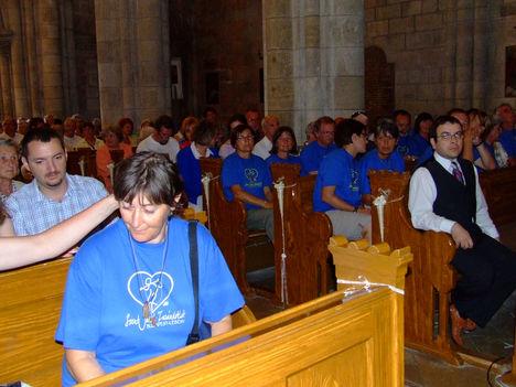 Zarándokok a lébényi Szent Jakab templomban