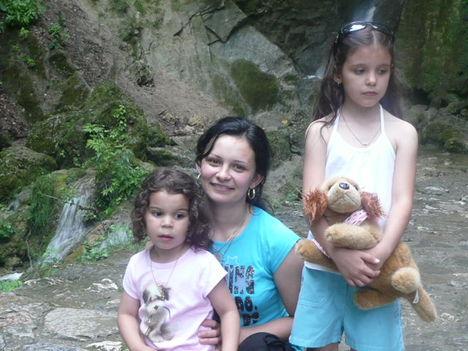Anya és a lányok