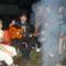 Zenélés a tűz körül