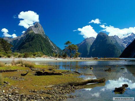 Milford_Sound-Fiordland_Nemzeti_Park-Déli-sziget