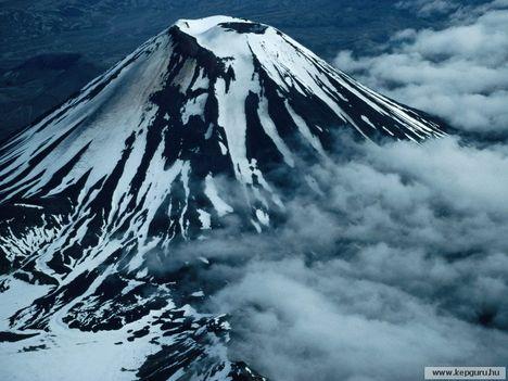 Ngauruhoe-vulkán-Tongariro_Nemzeti_Park-Manawatu-Wanganui