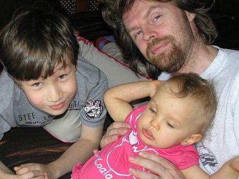 Andi apával és Armival
