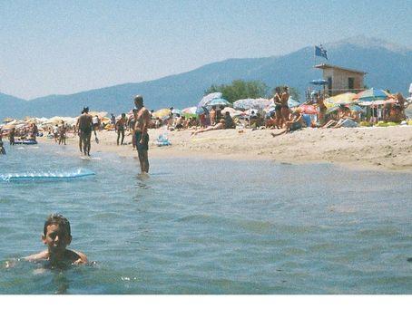 Olympic beach..tenger mögött az Olympos hegy