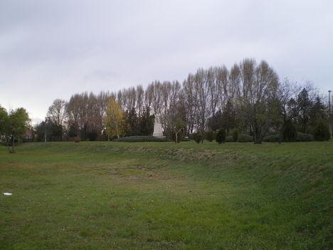 Szoborkert 1167