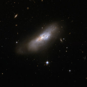 Hubble Interacting Galaxy ESO 507-70