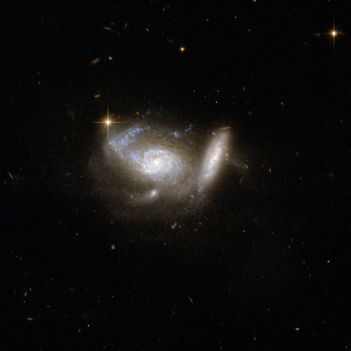 Hubble Interacting Galaxy ESO 550-2