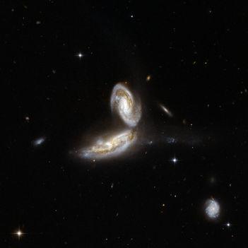 Hubble Interacting Galaxy NGC 5331