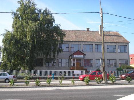 Weöres Sándor Általános Iskola, Mezőörs
