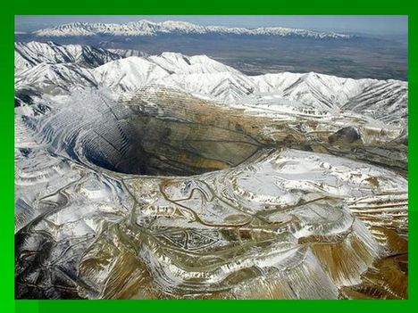 a földön a legnagyobb lyuk, amit embert termlet ki, 1863 ban kezdték a föld kitermelést, és még nindig tart
