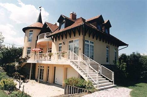 Gárdonyi lakóház