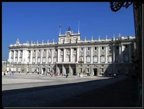 Madridi királyi palota