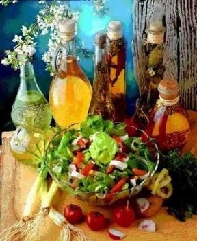 mediterrán saláta és elengedhetetlen kísérői