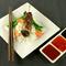 thai étel hagyományos tálalásban