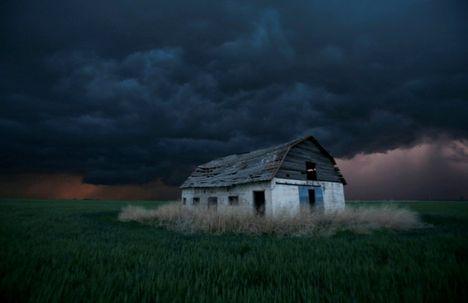 ...a viharokkal úgy vagyok,mint anno a Gallok...D 34
