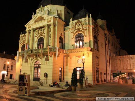 Nemzeti_színház-Pécs