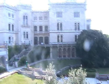 Miramare, kastély ahol Sissi sokat nyaralt. Videóból vágva. 2