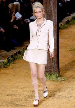 Chanel 2010 tavasz - Párizsi Divathét 5