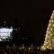 karácsonyfa kivilágítva
