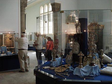 A zsidó múzeum belülről