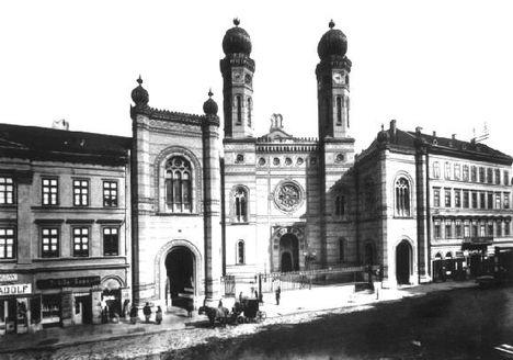 A zsinagóga régen