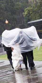 Esküvő az esőben