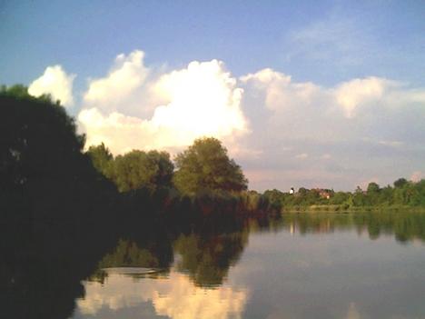 Holt- Tisza 7 6 19 (23) A falu alatt.