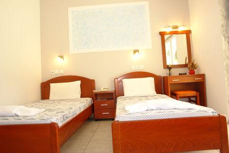 Panteleimonas Beach (Hotel Afroditi) 9