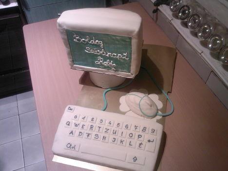 Számítógép torta