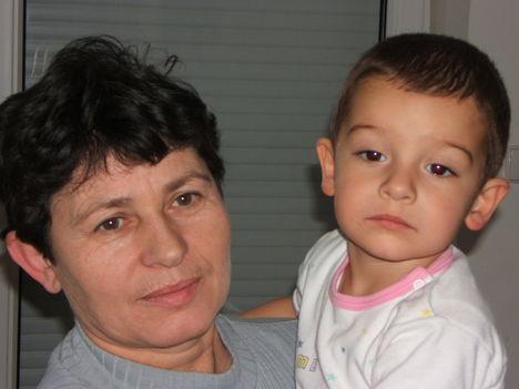Feleségem, Kovács Nándorné és Stefán Máté unokánk.