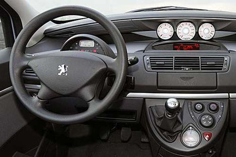 807 Peugeot műszerfal kezelőszervek