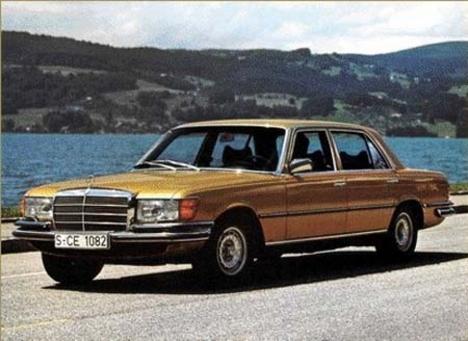 arany autó
