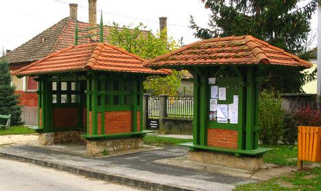 Bakonyszentlászló buszmegálló