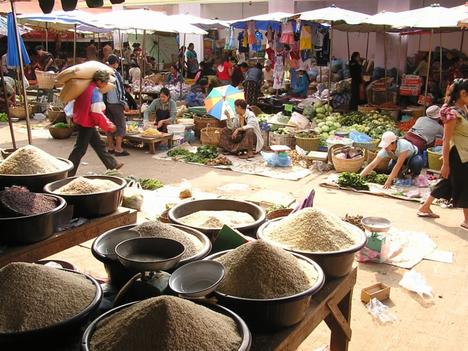 Luang Prabang, zöldségpiac