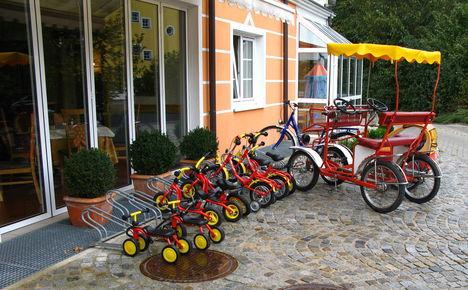Lutzmannsburgi szálloda bejárata