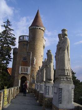 Elvarázsolt kastély 2