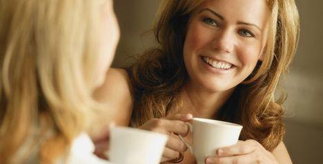 kávéző nők