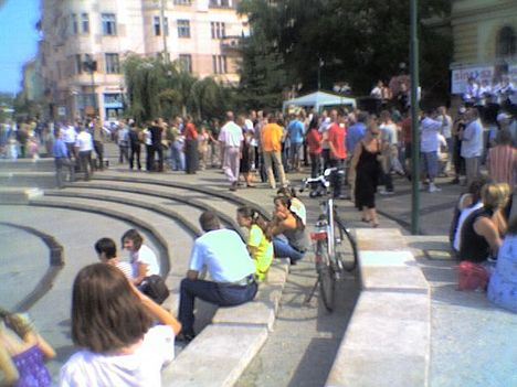 SINOSZ Szeged a zenélő szökőkútnál