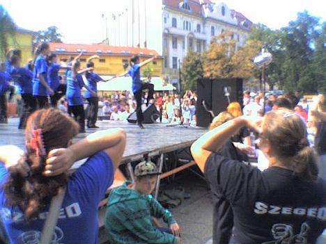 SINOSZ Szeged siket fiatalok táncprodulciója
