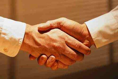 kézfogás siker