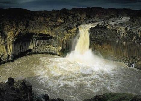 Izlandi kráter-tó