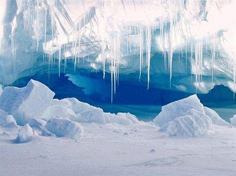 Lélegzet elállító szépségű jégbarlang
